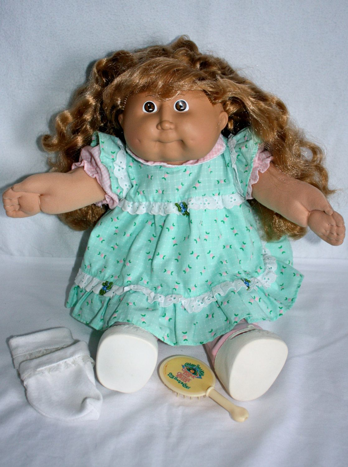 This is an original, 1980s Cabbage Patch #doll with real blond corn-silk  hair. | Original cabbage patch dolls, Cabbage patch babies, Cabbage patch  dolls
