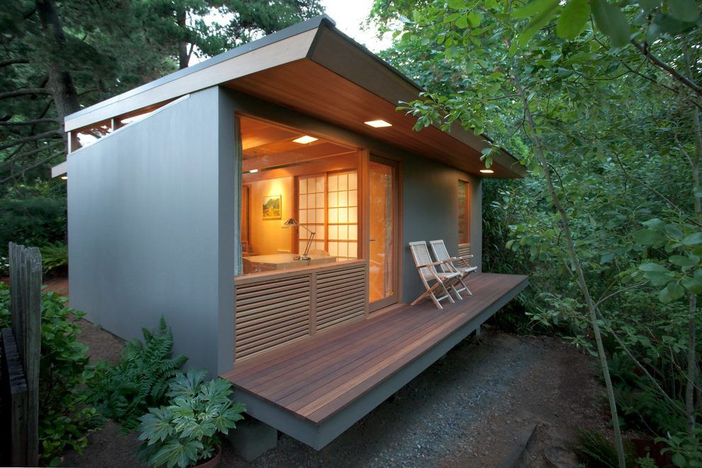 Modern Small House Deck Contemporary With Guest Concrete Outdoor Flower Pots Small House Architecture Luxury Beach House Modern Tiny House