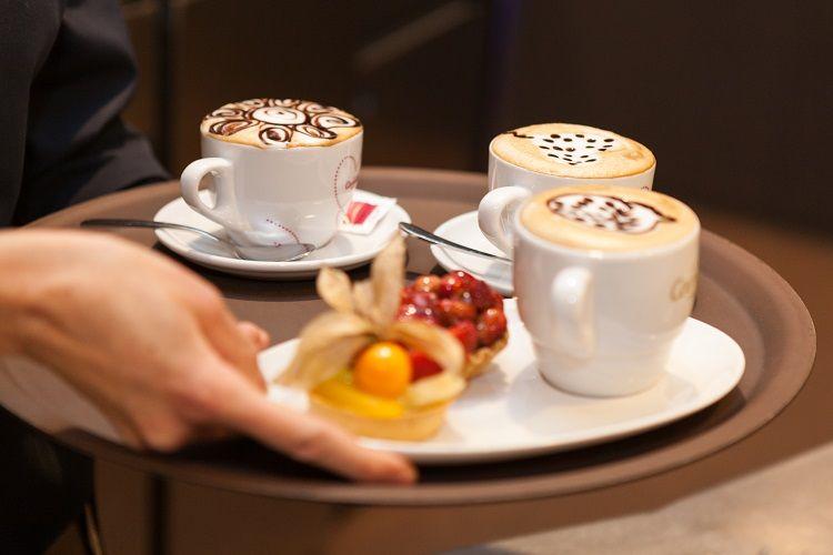 Preparació del #LatteArt més petites delícies.  #Cappucino #Espresso #CafesCornella #Cafe #Coffee #Coffetime