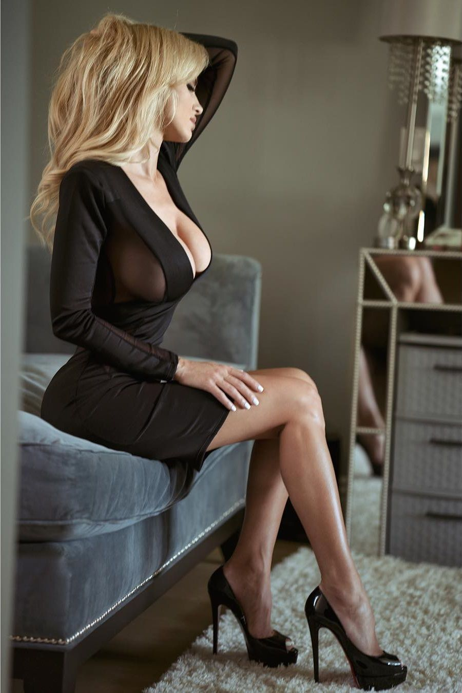 Leanna Blonde Ass