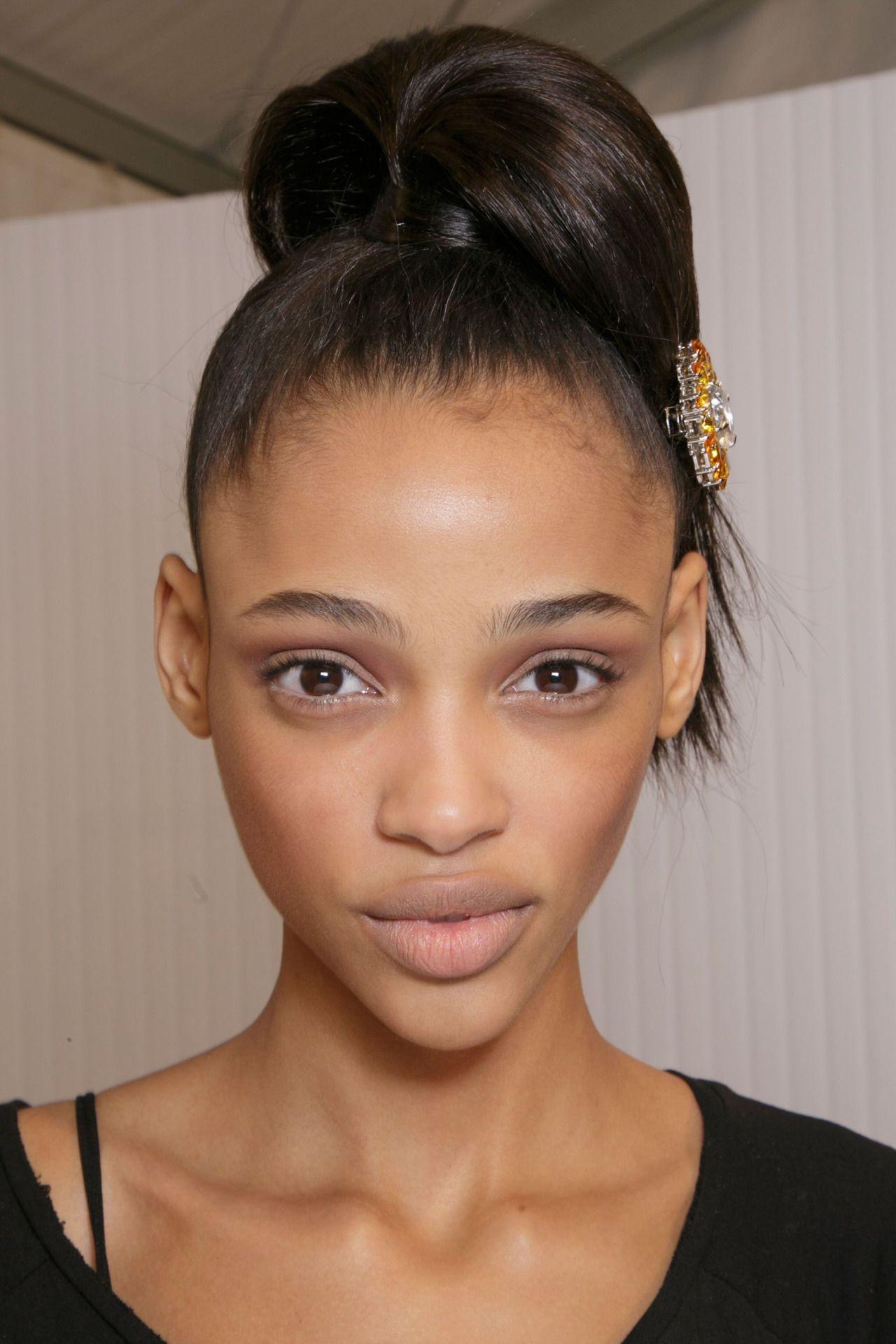 schöne schwarze Frauen über 40