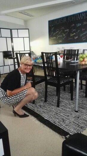 Merja Fischer kävi vierailulla 27.8. 2015 Siltasaaren toimistollamme ja kadotti mustikan pöydän alle.