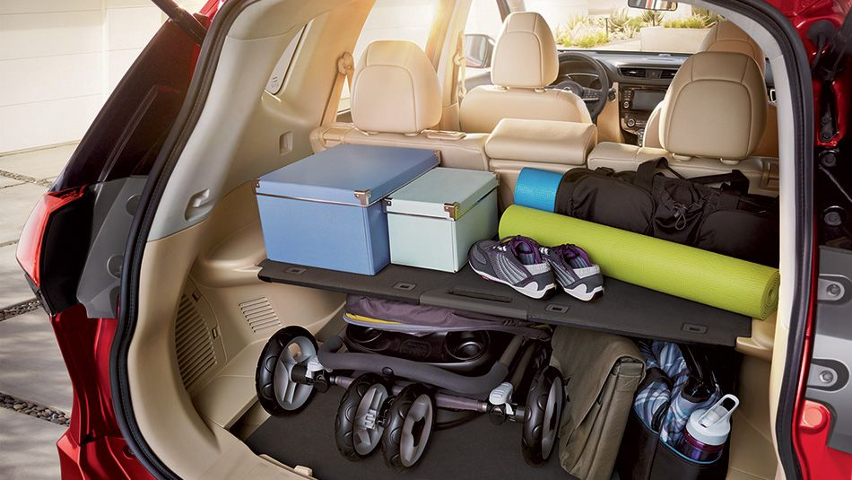 Cargo Space In The City Life Crossover Vehicle The Nissan Rogue Nissan Rogue Nissan Rogue Interior Nissan