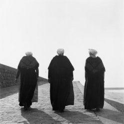 Nederland, vrouwen in klederdracht Collectie Stadsarchief Amsterdam #ZuidHolland #Scheveningen