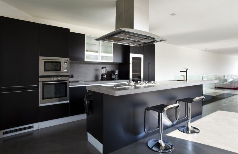 cuisine noire | Cuisine | Kitchen design, Kitchen et Black kitchens