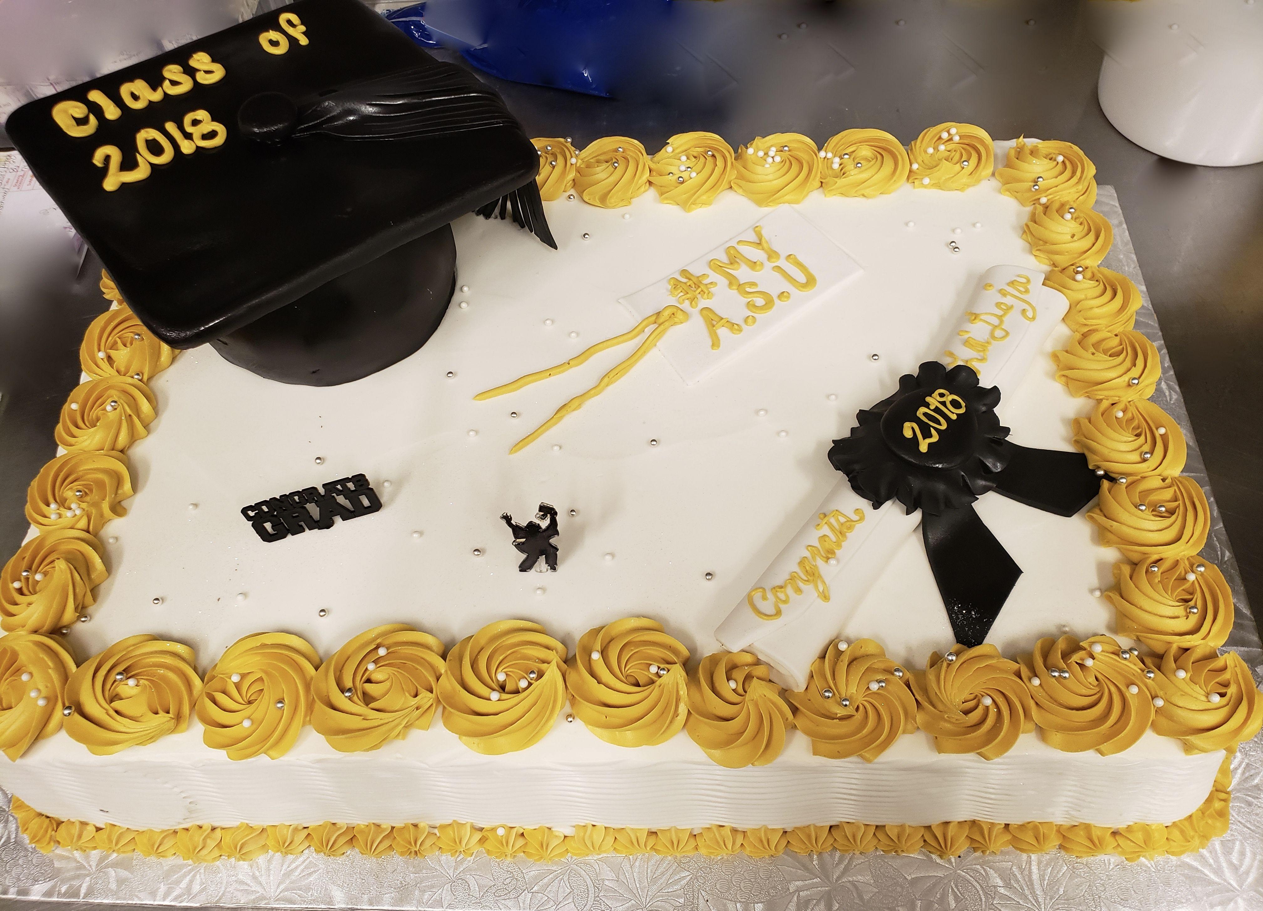 Calumet Bakery Rosette Border And Fondant Cap And Diploma