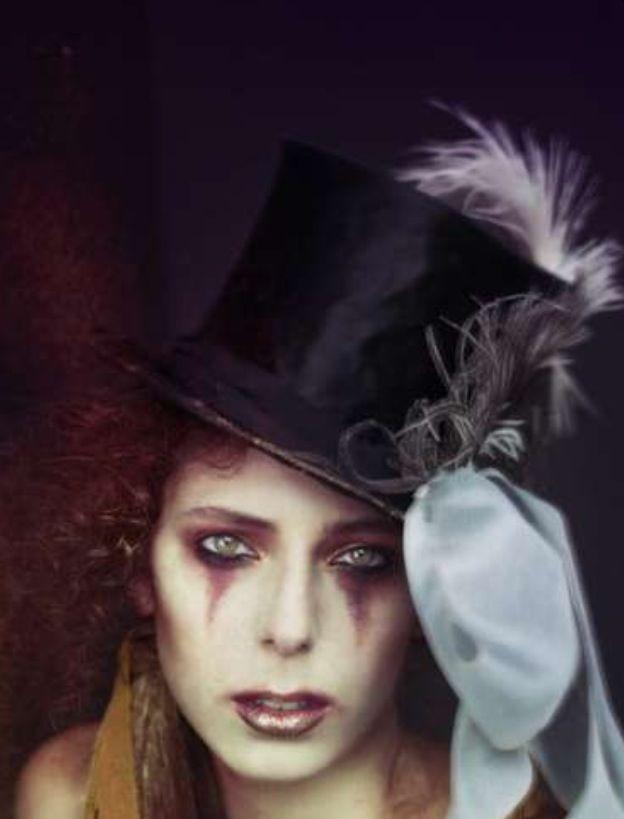 Mine/clown makeup