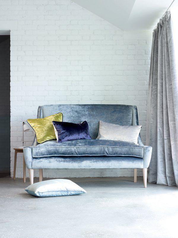 Le velours cest tendance decoration canapé et coussins en velours
