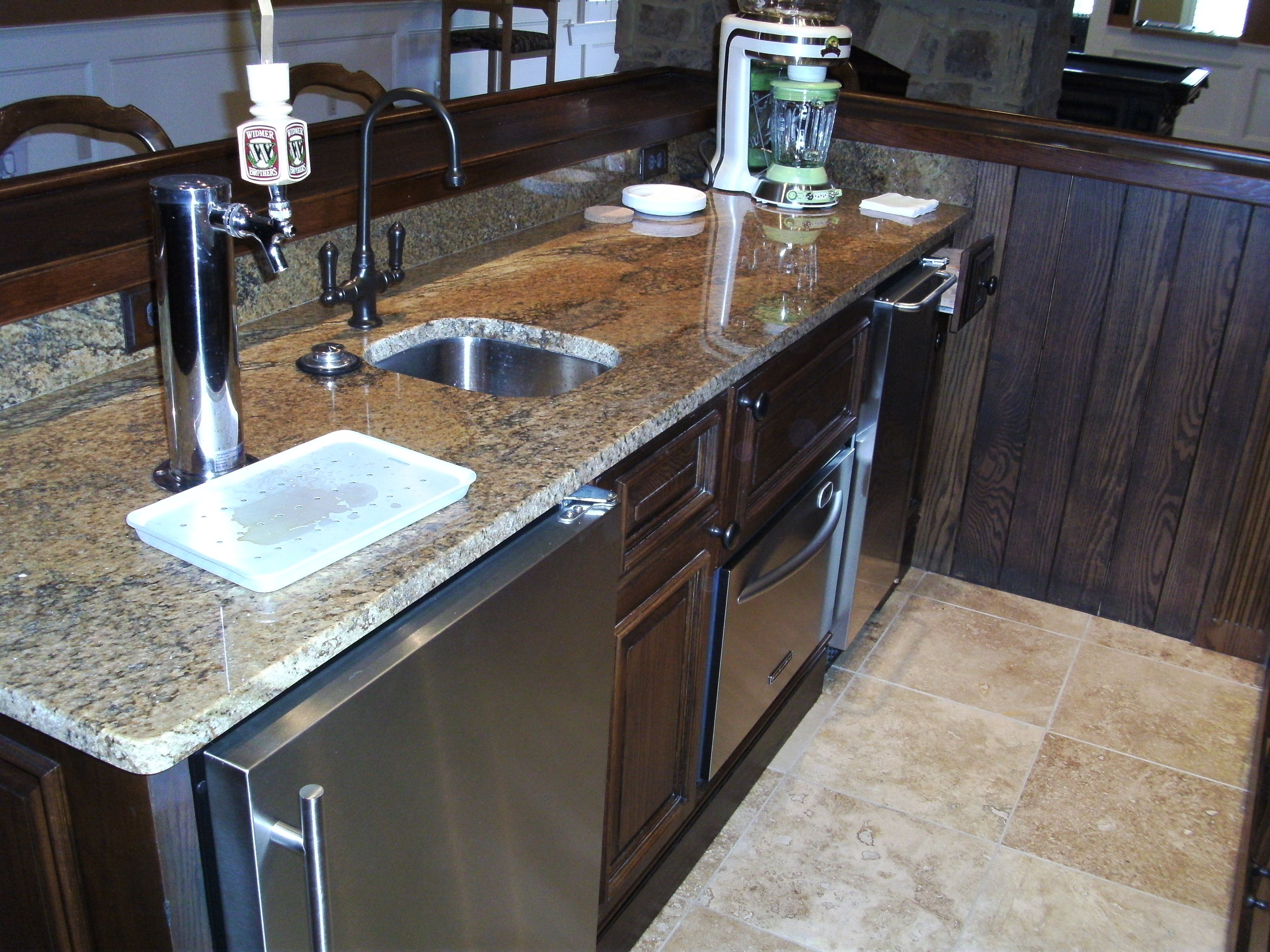 Man Cave Beer Bar : Basement wet bar in the man cave with beer tap beautiful