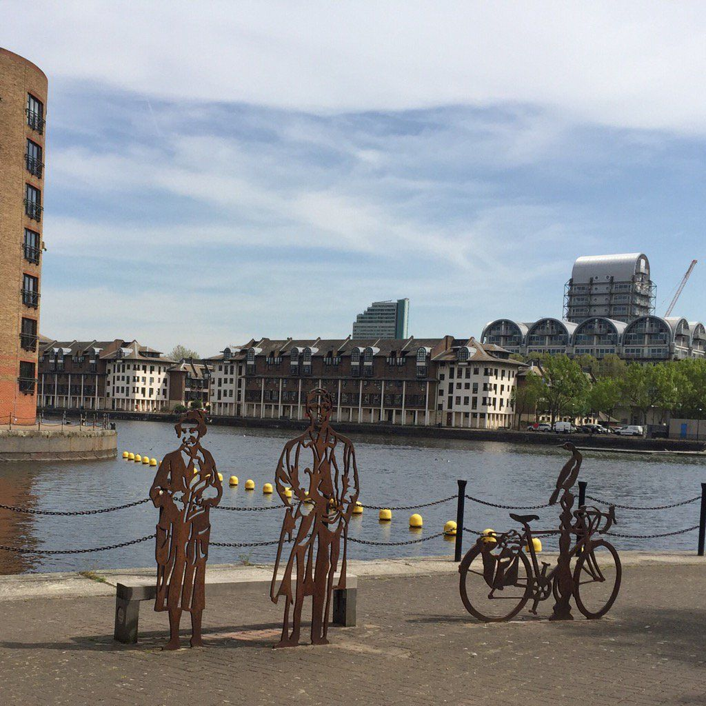 """London's Attractions on Twitter: """"Look at these cool #sculptures I rode past in #SurreyQuays #SE16 today https://t.co/HcU3BP1MoL"""""""