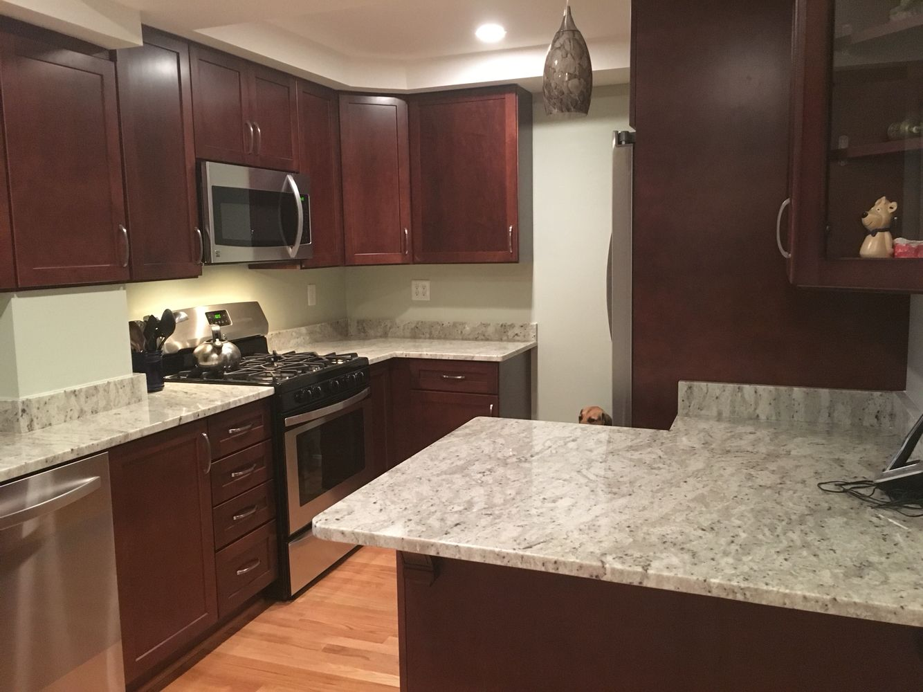 Maple Sedona Cabinets With Andromeda White Granite Home