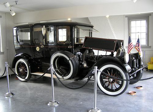 Pierce-Arrow the luxury car of the early 20th Century -- Car ...