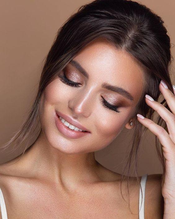 Braut-Make-up: zauberhafte Beispiele & How-to-Anleitungen