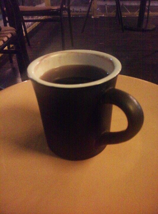 조금 일찍 끝난 회사. 따뜻한 커피 한잔의 여유가 내 마음을 녹여주길~