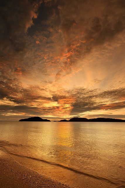 chenang beach sunset 2 by ClickClick1981, via Flickr