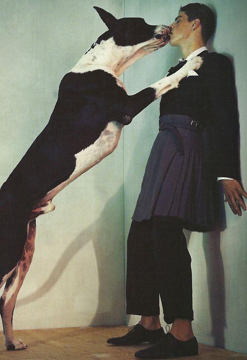 by Steven Klein for L'uomo Vogue (il modello è un uomo, ma vista la narrazione pareva il caso di mettergli almeno una gonna)