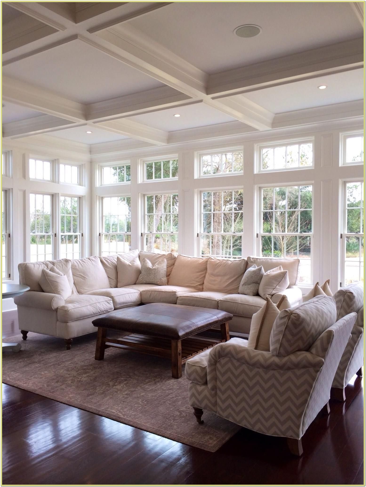 Decorating A Living Room With Lots Of Windows In 2020 Li