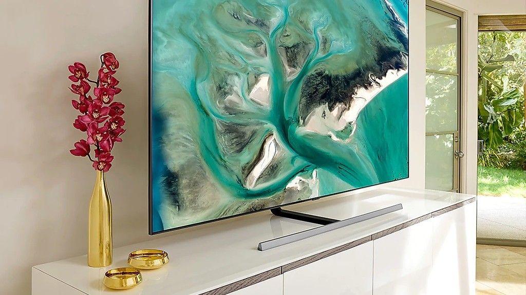 La Smart Tv De 65 De Gama Alta Samsung Qled 65q80r Tiene Una Gran Rebaja Por El Plan Renove De Mediamarkt Que La Deja A 999 Euros Smart Tv Samsung Apple Tv