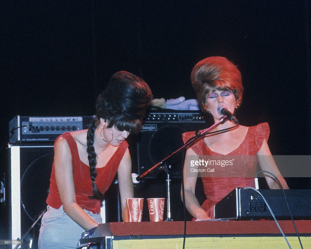 Kate Pierson And Cindy Wilson From The B 52s Performimg At Zellerbach Auditorium On October