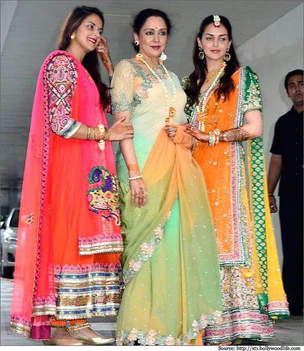 Hema Malini S Second Daughter Ahana Deol Wedding Saree And Photos