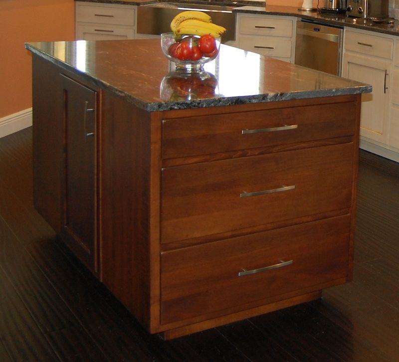 Shaker Paint/Glaze Kitchen Cabinets