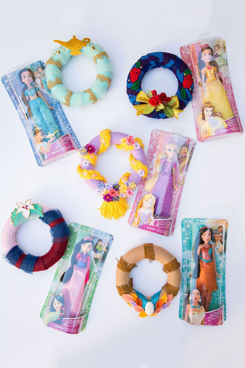Diy A Wreath Inspired By Your Favorite Disney Princess Disney Family Disney Princess Diy Disney Christmas Tree Theme Princess Diy