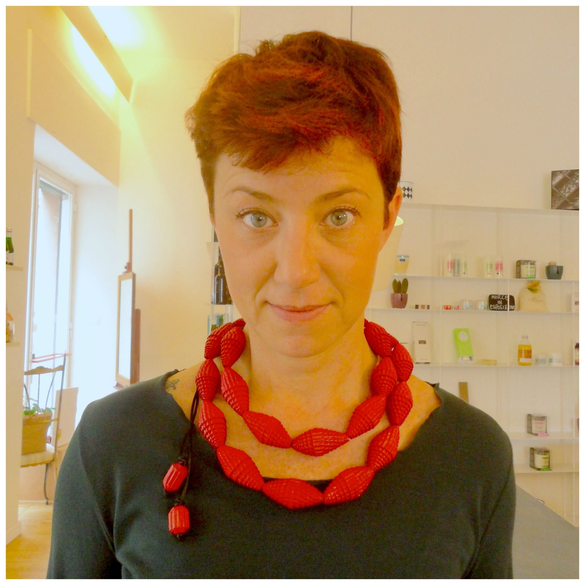 Longred#necklace with chunky #beadsofpaper on the neck of its new owner... WOW!!! Emoticon smile http://etsy.me/1yLF4Mg