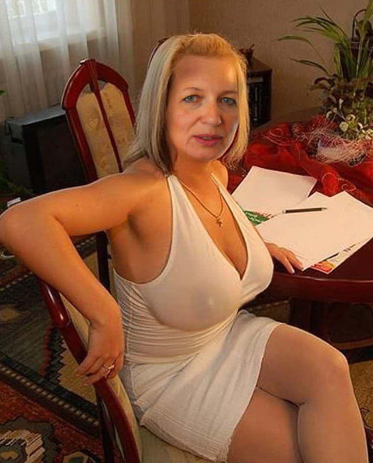 Women old sexy Meet Marna,