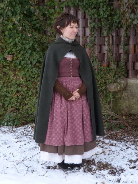 how to make a hobbit cloak from a blanket