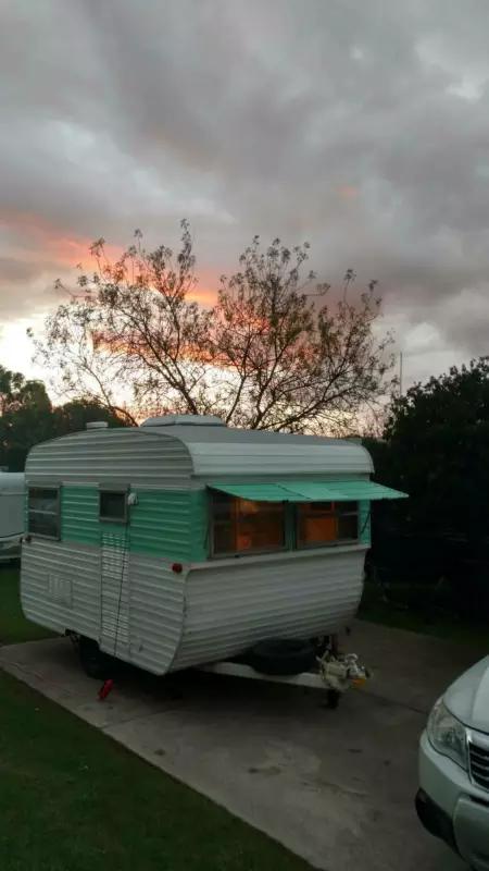 1979 Vintage Millard Caravan