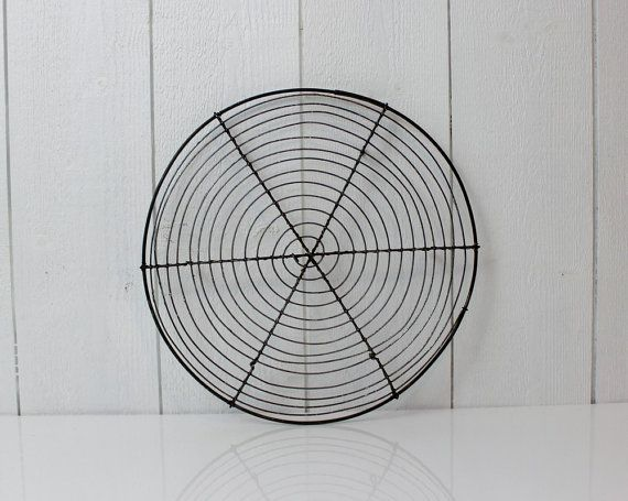 Vintage Wire Pie Cooling Tray Cooling Rack French Vintage Wire Cooling Tray Round Cake Rack Pastry Display Round Wire Rack D632 Pastry Display Kitchen Decor Inspiration Retro Kitchen Decor