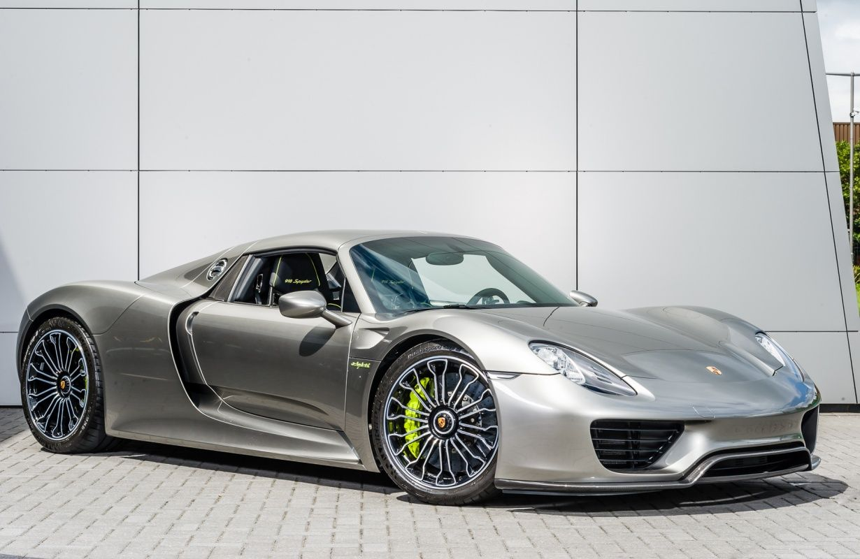2015 porsche 918 spyder uk supplied delivery miles. Black Bedroom Furniture Sets. Home Design Ideas
