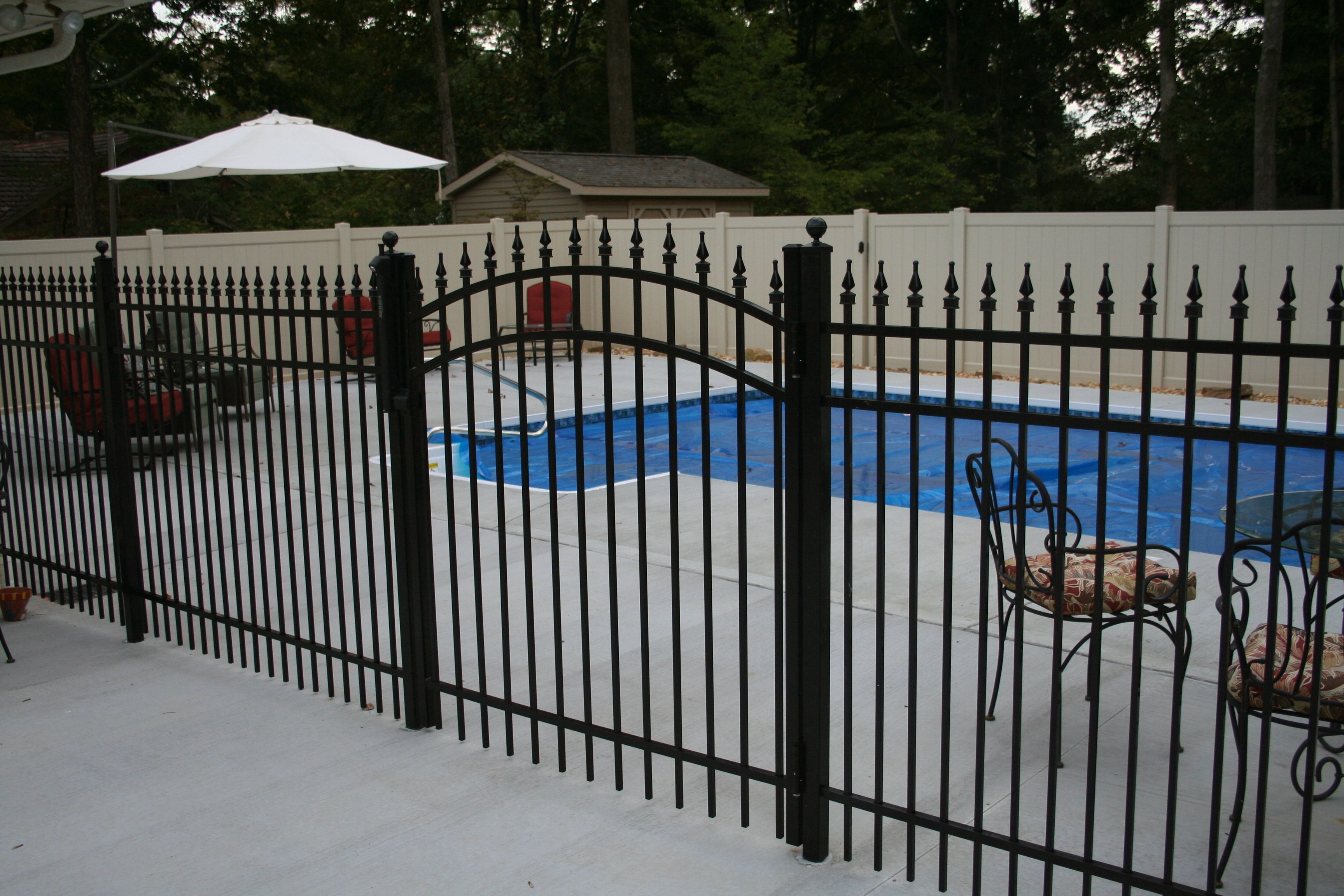 English Gardens Black Aluminum Fencing With Images Fence