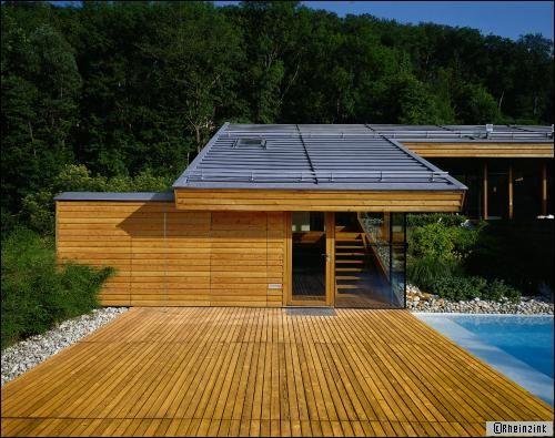 Best 25 toiture en bois ideas on pinterest maison en kit maison ossature bois and maisons - Maison avec toit une pente ...