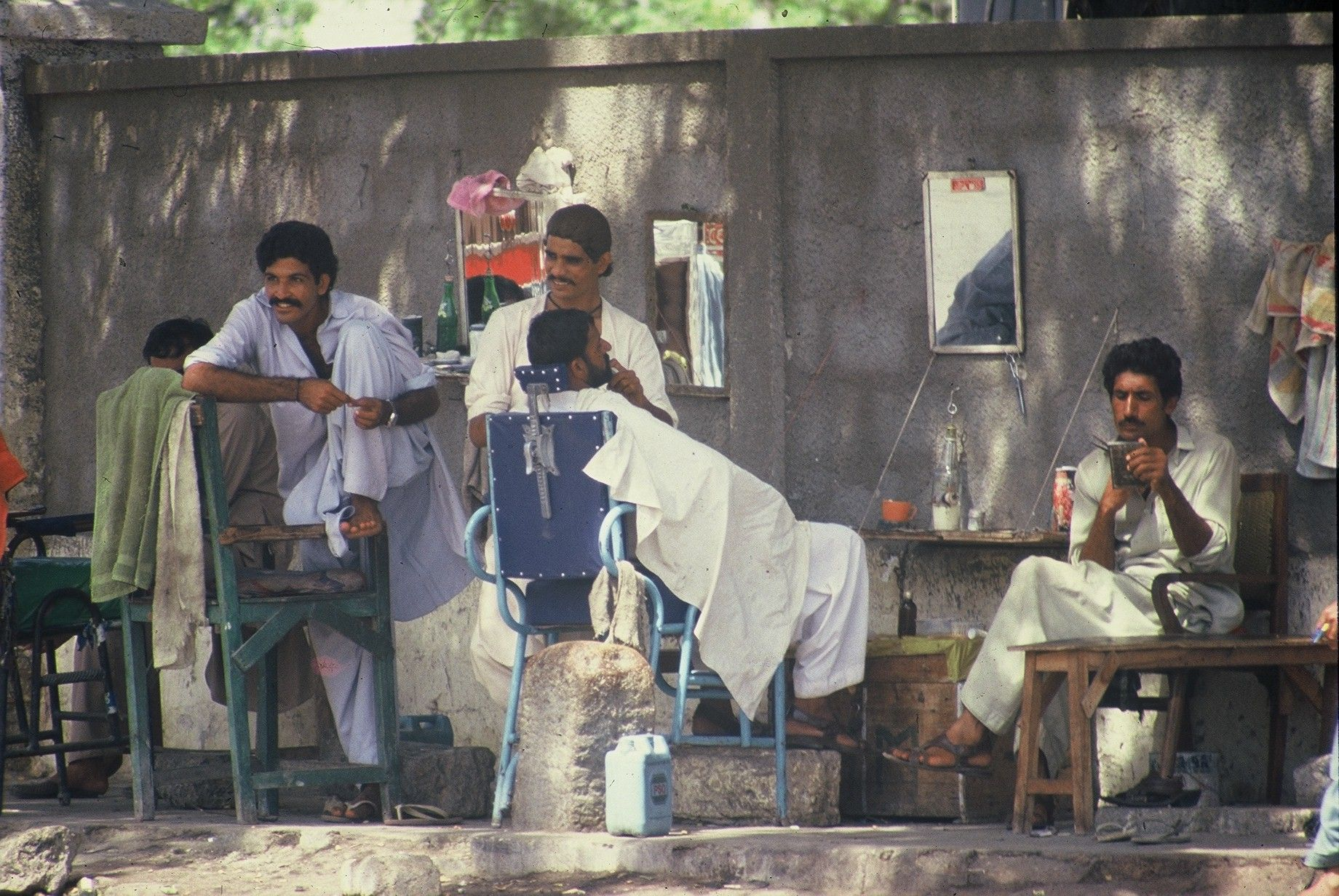 Local Barber - Street Shops - Pakistan   Pakistan ...