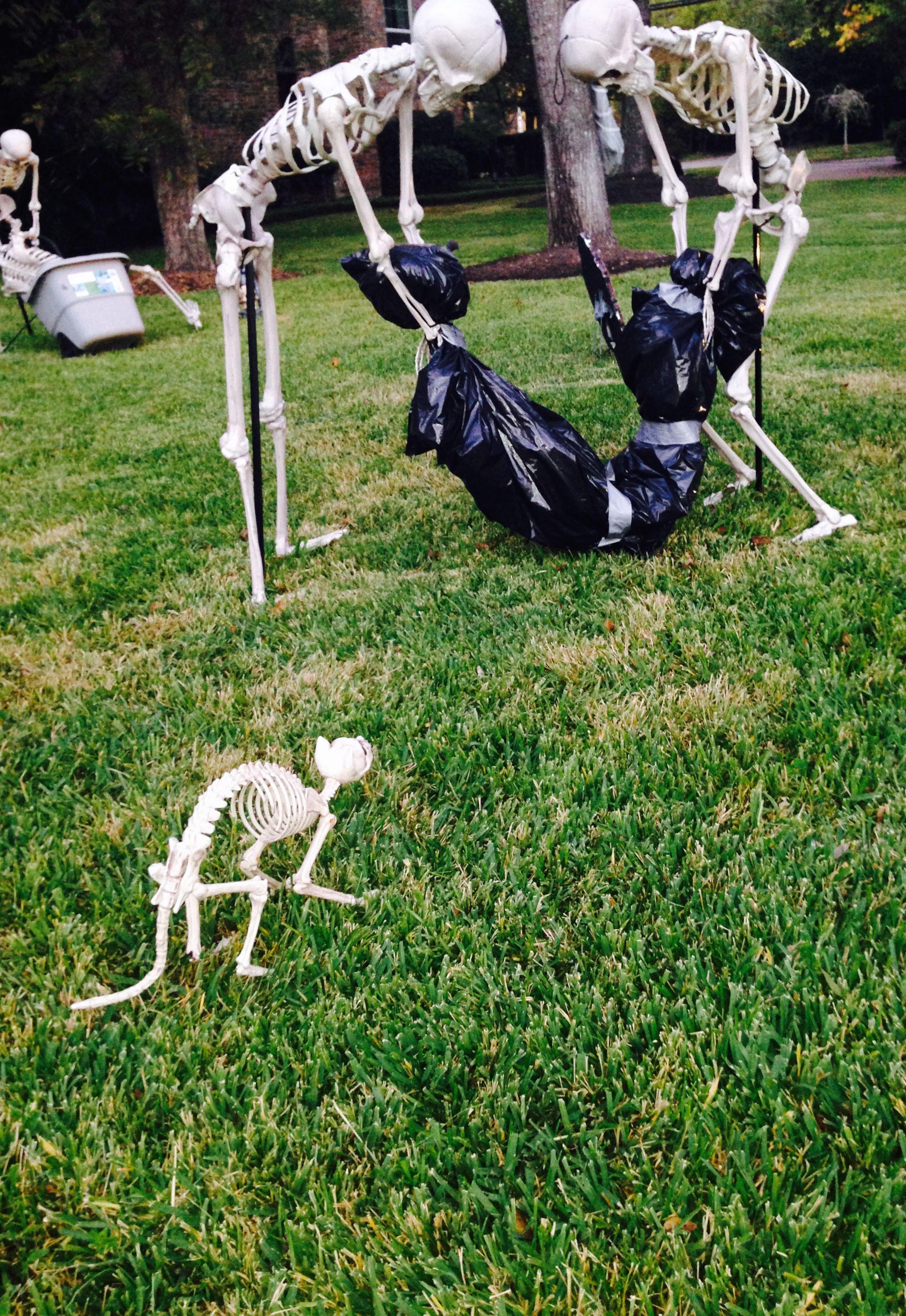 Halloween Yard Decorations 2019.Halloween Skeletons Halloween Ideas In 2019 Halloween Skeletons