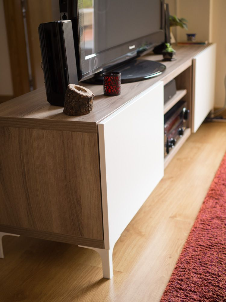 Nuestro mueble best de ikea para la tv decorando for Mueble ikea salon
