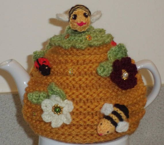 queen bee hand knitted crocheted and beaded small 2 cup | amigurumis ...