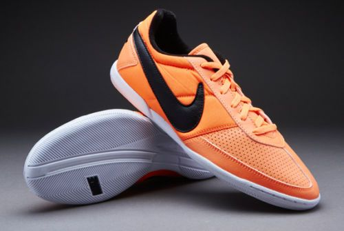 fuerte relé Tanga estrecha  Nike Davinho Indoor Soccer Shoes NEW Men Sz 9 Orange Black White Futsal  Casual | Soccer shoes, Nike, Shoes