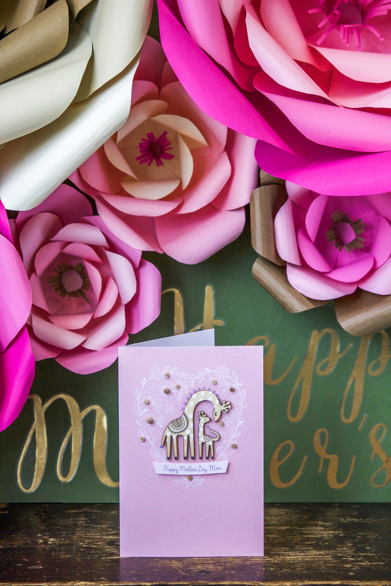 How To Make Large Paper Flowers Large Paper Flowers Flowers And