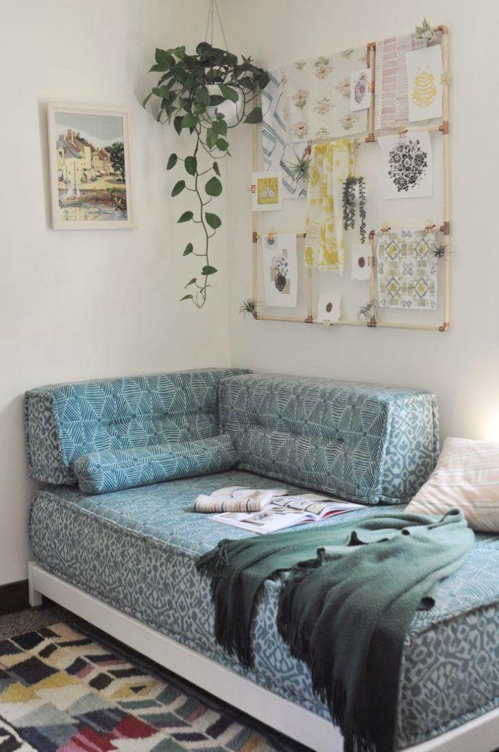 Ideas De Diseno De Dormitorio De Futon Diseno Interior Futon Living Room Sofa Layout Diy Daybed Futon decorating living room