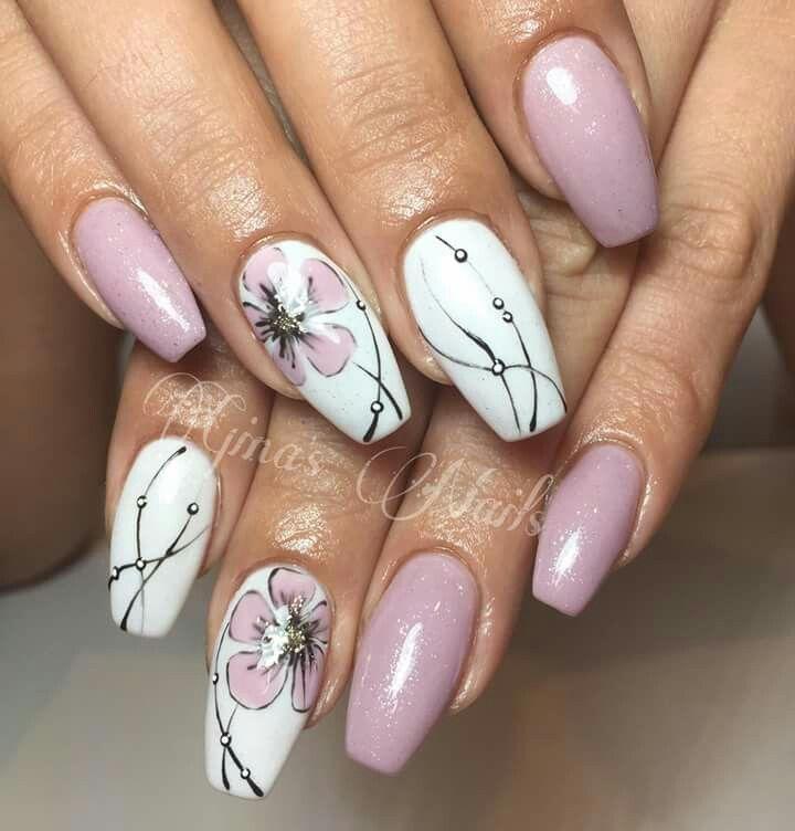 Nails Art Blanc Et Rose