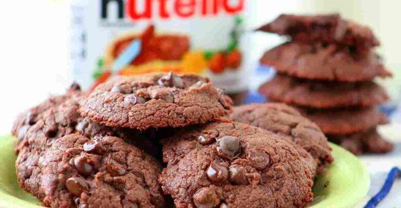طريقة حلى النوتيلا بثلاث مكونات بدون فرن بطريقة سهلة بالصور Desserts Chocolate Food