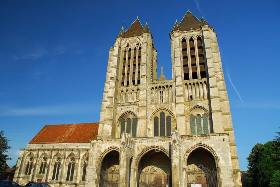 Catedral De Notre Dame De Noyon Cathedral Church Landmarks