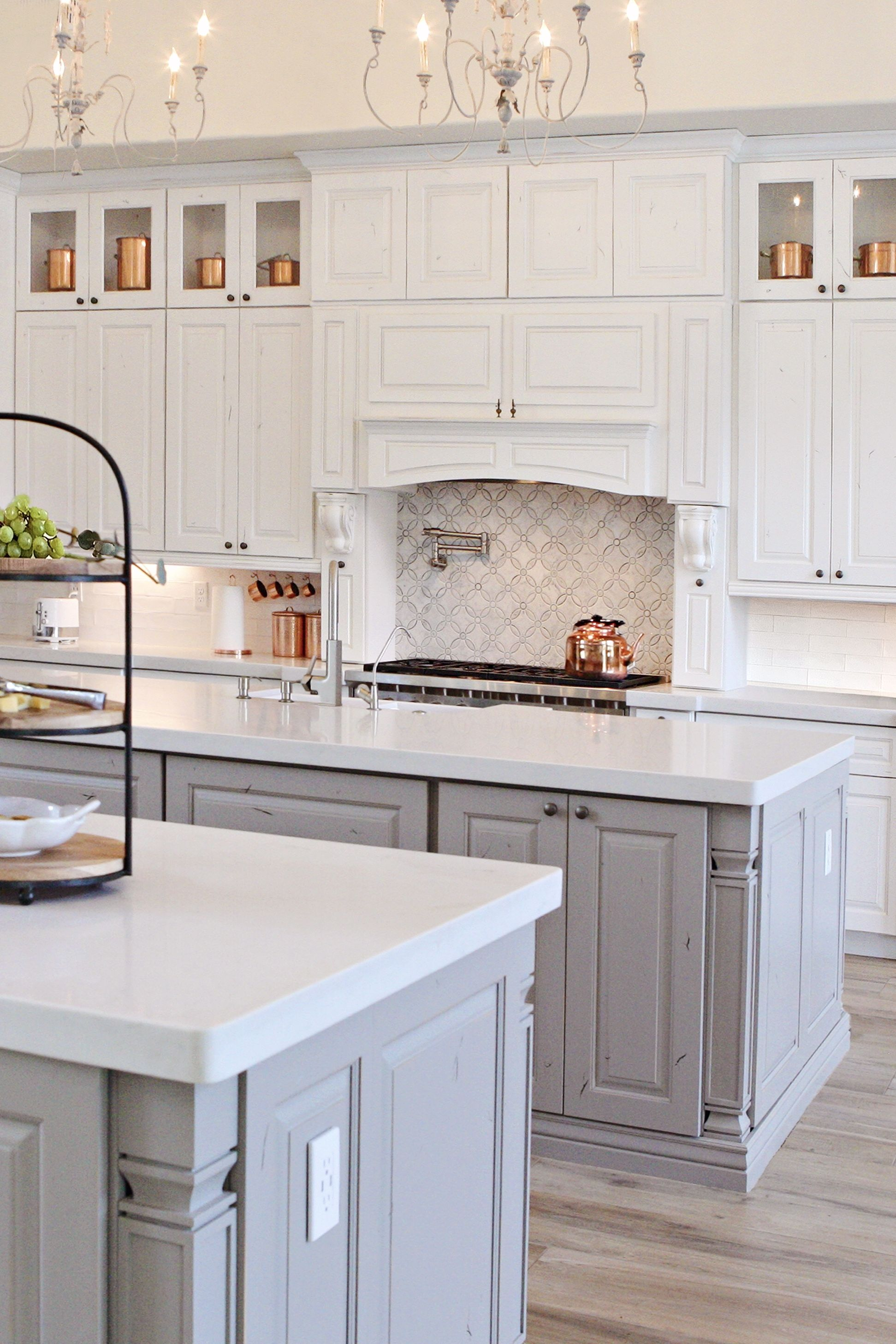 A Beautiful Two Tone White And Grey Kitchen Design Kitchen Cabinets Grey And White Gray And White Kitchen Grey Kitchen Designs