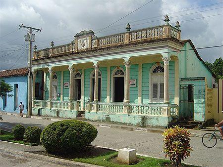 maison coloniale cuba maisons coloniales colonial et cuba. Black Bedroom Furniture Sets. Home Design Ideas