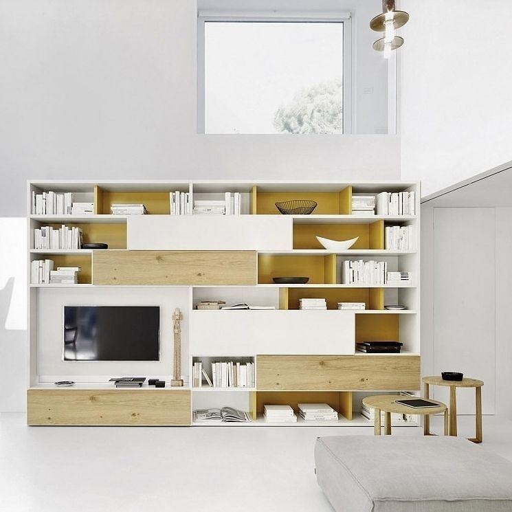 Das Bücherregal C51 von Livitalia bietet neben viel Stauraum ...
