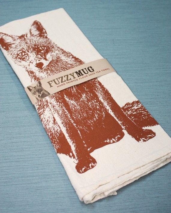 Es ist ein Fuchs in meiner Küche  Hand gedruckten Mehl von FuzzyMug