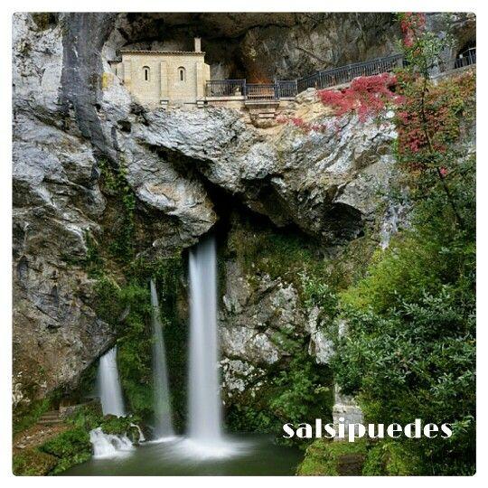 Buenos días, estupendo día para visitar a la Santina, nublado y con calor...