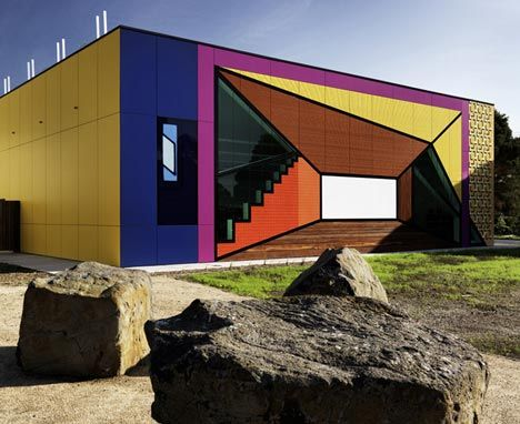 Avondale Heights Library & Learning Centre in Australia by H20 Architects.
